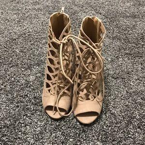 Tan Size 7 heels